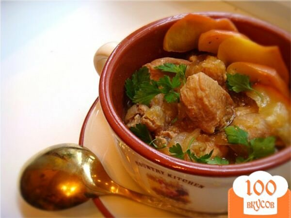 Фото рецепта: «Томленая свинина с имбирем и яблоками!»