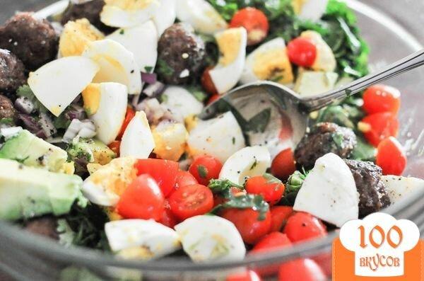 Фото рецепта: «Салат с фрикадельками»