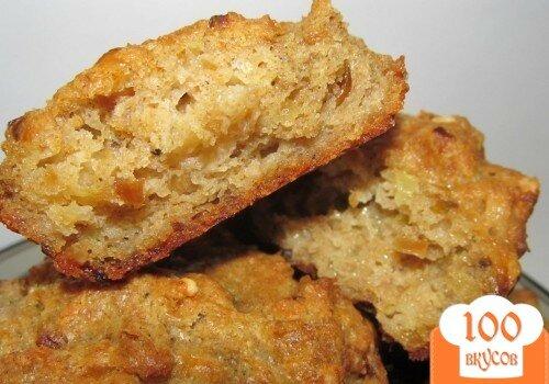 Фото рецепта: «Ржаные маффины с сыром и жаренным луком»