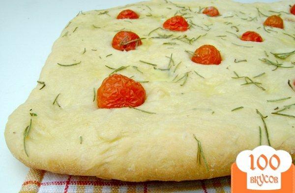 Фото рецепта: «Фокачча с томатами и розмарином»