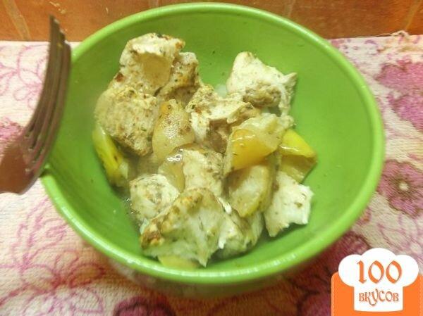 Фото рецепта: «Куриное филе в рукаве с яблоками»
