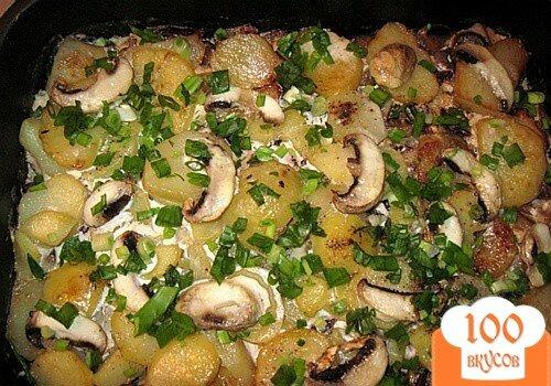 Фото рецепта: «Картошечка с грибами в сметане»
