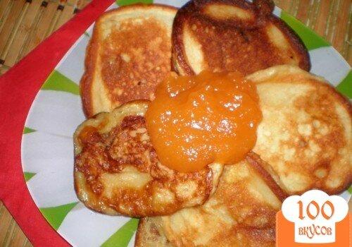 Фото рецепта: «Пышные оладушки с яблочками»