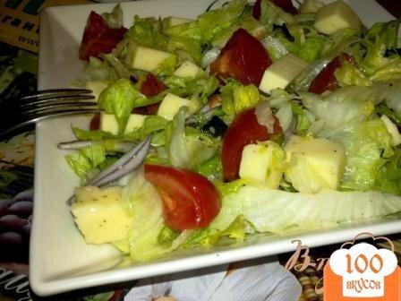 Фото рецепта: «Салат с айсбергом, помидорами и моцарелой»