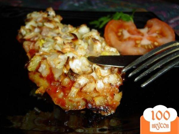 Фото рецепта: «Рыба, запеченная с чесноком и луком»