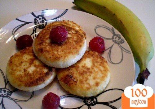 Фото рецепта: «Сырники без муки с ячменными пластивцами»