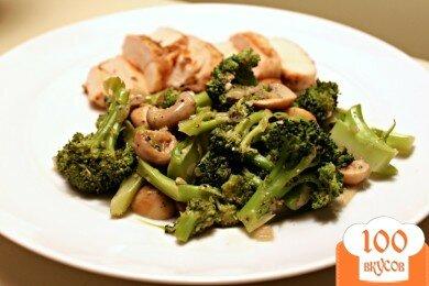 Фото рецепта: «Жареные грибы с брокколи»