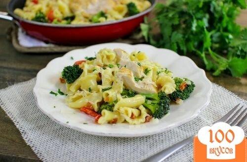 Фото рецепта: «Паста с курицей и овощами»