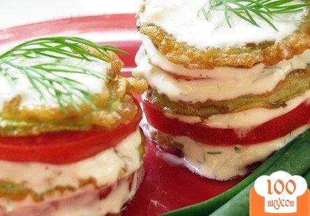 Фото рецепта: «Кабачки в кляре с помидорами»