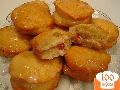Фото рецепта: «Пончики с клубничным желе»
