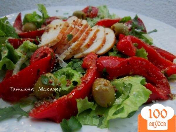 Фото рецепта: «Салат с куриным мясом и перцем»
