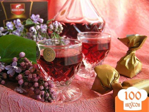 Фото рецепта: «Домашний малиновый ликер с ванилью»