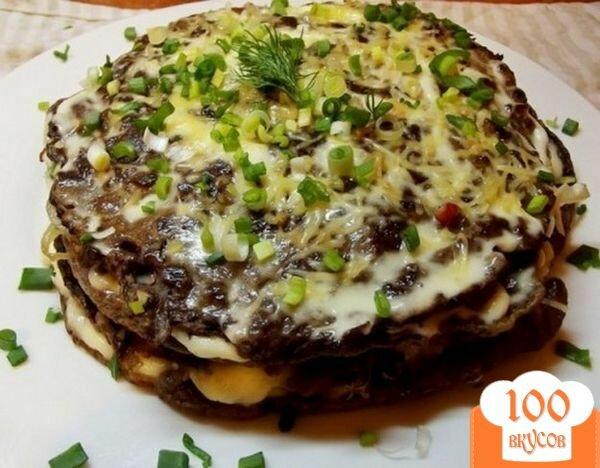 Фото рецепта: «Печеночный торт с плавленым сырком»