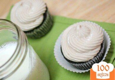 Фото рецепта: «Кексы с кремом ганаш и сливочной глазурью»