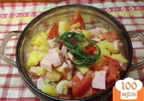 Фото рецепта: «Теплый салат с сосисками и грибами»