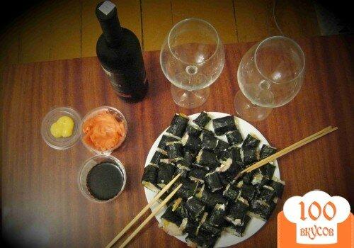 Фото рецепта: «Роллы с рыбой, сыром и перцем»