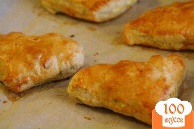 Фото рецепта: «Пирожки с яйцами и ветчиной»
