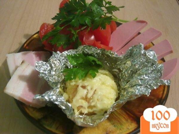 Фото рецепта: «Картофель под сыром в фольге»