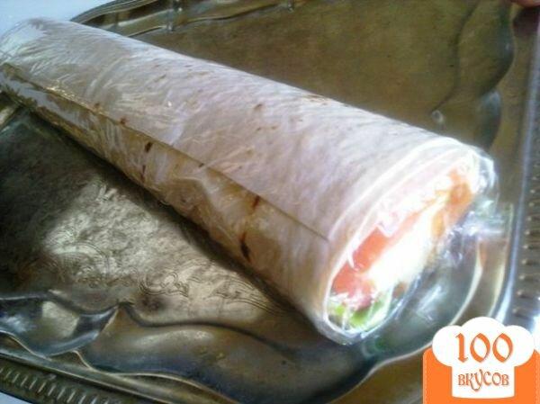 Фото рецепта: «Лаваш с семгой и сырным салатом.»