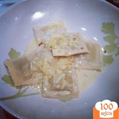 Фото рецепта: «Равиоли с чесночным соусом»