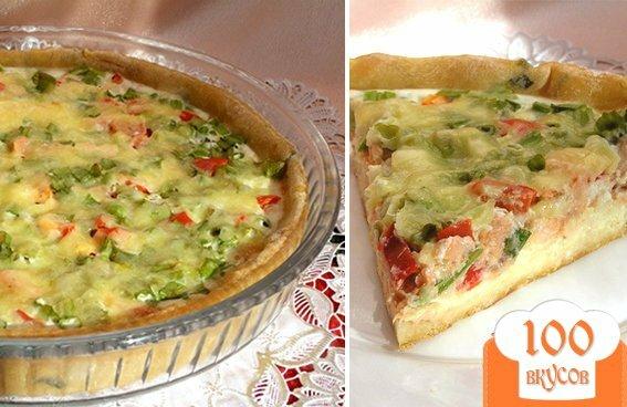 Фото рецепта: «Пирог с лососем, зеленью и овощами»
