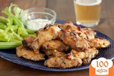 Фото рецепта: «Крылышки Баффоло в беконе с сыром»
