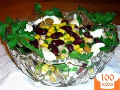 Фото рецепта: «Салат с сухариками и фасолью»