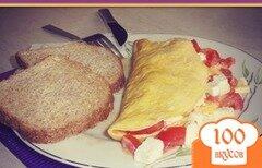 Фото рецепта: «Омлет с белым турецким классическим сыром и помидорами»