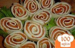 Фото рецепта: «Рыбно-икорный рулет из лаваша»