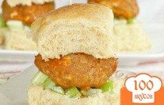 Фото рецепта: «Сэндвичи с фрикадельками из индейки и салатом из сельдерея»