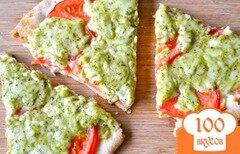 Фото рецепта: «Пицца с помидорами и базиликом»