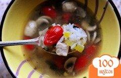 Фото рецепта: «Тайский куриный суп с кинзой и рисом»