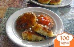 Фото рецепта: «Сырники с вяленой грушей»