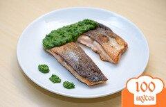 Фото рецепта: «Жареная рыба с зеленым соусом»