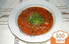 Фото рецепта: «Суп картофельный с чесночной колбасой в горшочке»