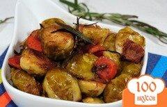 Фото рецепта: «Брюссельская капуста с морковью, беконом и розмарином»