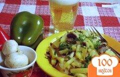 Фото рецепта: «Жареный картофель с грибами и луком»