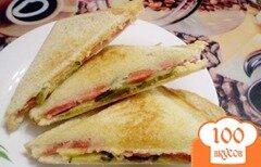 Фото рецепта: «Сэндвичи с соленым огурцом»