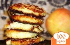 Фото рецепта: «Сырники с яблоками»