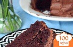 Фото рецепта: «Шоколадный торт с винно-айвовой начинкой»