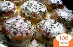 Фото рецепта: «Тефтели из индейки с базиликом и мятой в сливочном соусе»