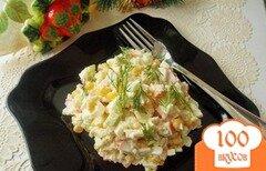 Фото рецепта: «Салат с крабовыми палочками,кукурузой и огурцом»