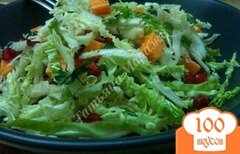 Фото рецепта: «Салат из савойской капусты с зернами граната»
