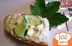 Фото рецепта: «Паста из копченого сыра, яиц и огурца»