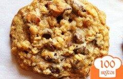 Фото рецепта: «Овсяное печенье с орехами и шоколадом»