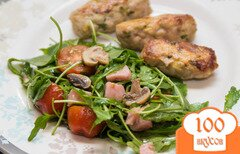 Фото рецепта: «Овощной салат с грибочками и ветчиной»