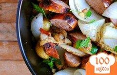 Фото рецепта: «Картофель с луком и колбасой»