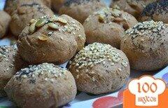 Фото рецепта: «Хлебные булочки с маком, кунжутом и семечками.»