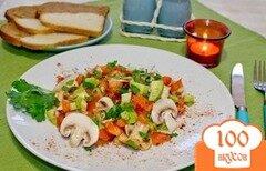 Фото рецепта: «Салат из сырых шампиньонов»