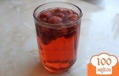 Фото рецепта: «Клубничный консервированный компот»